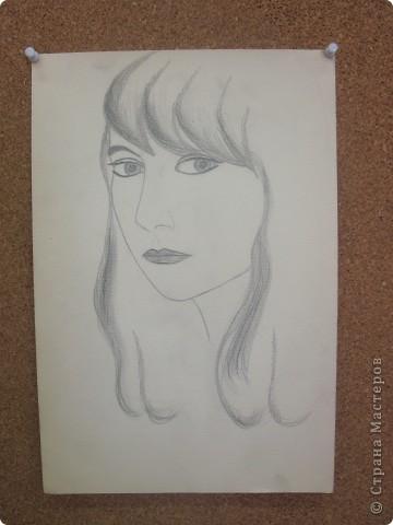 Разбирались в старых вещах и нашли мои рисунки. Все работы нарисованы в 1980-1982 годах. Всегда любила рисовать простым карандашиком. Нигде не училась. И сейчас много рисую, но на клочках бумаги, в еженедельнике на совещаниях и т.д. фото 2