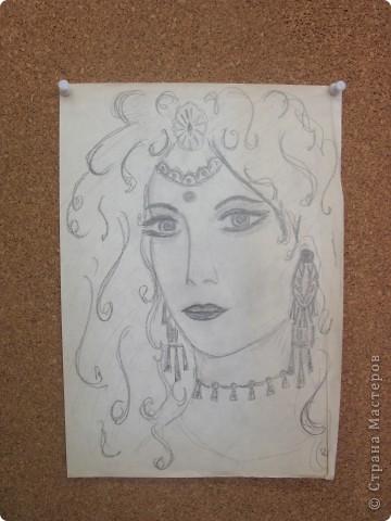 Разбирались в старых вещах и нашли мои рисунки. Все работы нарисованы в 1980-1982 годах. Всегда любила рисовать простым карандашиком. Нигде не училась. И сейчас много рисую, но на клочках бумаги, в еженедельнике на совещаниях и т.д. фото 3