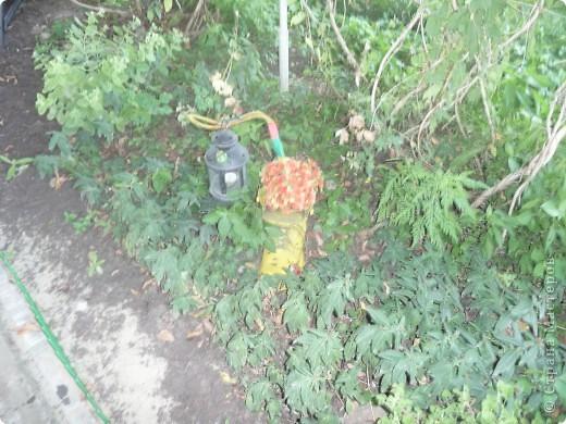 старый ботинок мужа, исскуственные цветы, детские игрушки, магниты на холодильник, икеевский фонарик и свеча в нём фото 2