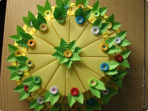 Торт 2-х ярусный из 30 кусочков,в каждом кусочке конфетки! фото 2