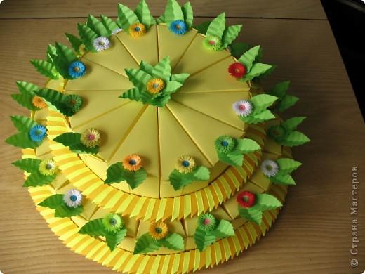 Торт 2-х ярусный из 30 кусочков,в каждом кусочке конфетки! фото 1