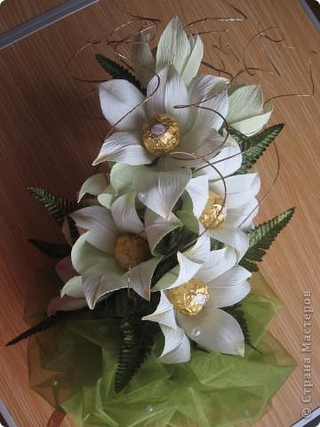 Вот такой букет из белых лилий выполнен на заказ ко Дню Учителя. фото 2