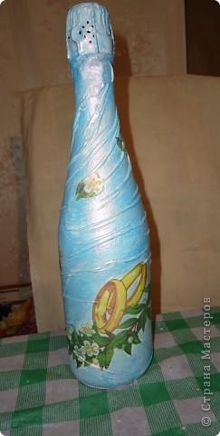 Одёжка для шампанского к свадьбе.Складочки из колготок,салфетки,краска перламутровая акриловая фото 2