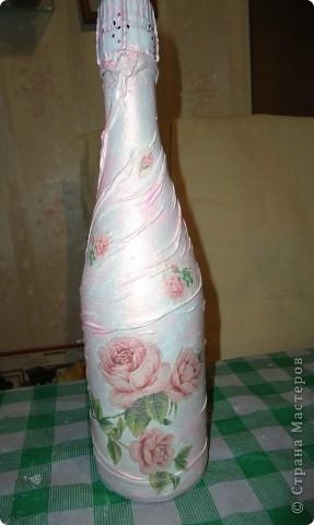 Одёжка для шампанского к свадьбе.Складочки из колготок,салфетки,краска перламутровая акриловая фото 3