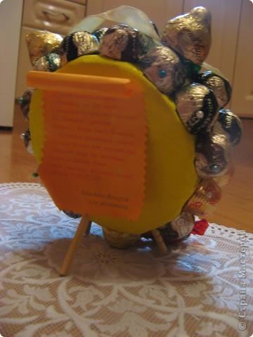 Вся измучилась, что придумать ко Дню Учителя. Дочка учится в первом классе. В Стране Мастеров нашла интересные идеи от девочек http://stranamasterov.ru/node/240907?c=favorite и http://stranamasterov.ru/node/243734 СПАСИБО им большое! И вот решила попробывать с дочерью сделать подобный будильник для нашего учителя Натальи Сергеевны. Вот , что получилось. фото 3