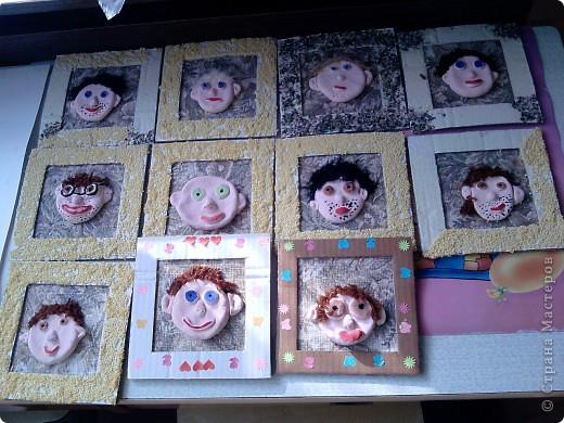 к празднику 23 февраля детки изготовили вот такие портреты пап.
