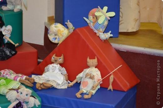 К Дню Учителя в актовом зале нашей школы я оформила выставку своих работ фото 3