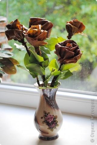 Цветы из осенних листьев. фото 1