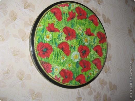 Очень интересный вид декорирования.Материал:Основа под мозаику,яичная скорлупа,клей ПВА,кисточки,зубочистка,лак. фото 2