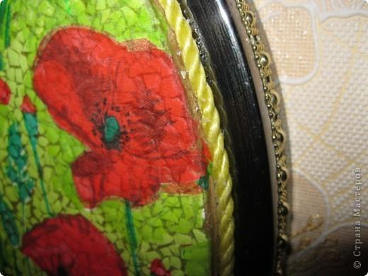 Очень интересный вид декорирования.Материал:Основа под мозаику,яичная скорлупа,клей ПВА,кисточки,зубочистка,лак. фото 3