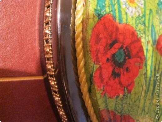 Очень интересный вид декорирования.Материал:Основа под мозаику,яичная скорлупа,клей ПВА,кисточки,зубочистка,лак. фото 5