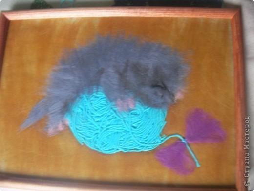 такого котеночка сделала моя дочь Сашуля, в подарок преподавателю в художественной школе на день учителя. Нам 8 лет фото 1