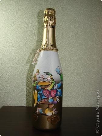 Здравствуйте все,кто зашел посмотреть мои работы!Сегодня мои бутылки для мужчин.Вот такую ракету придумала для мужчины,который увлекся полетами на аэроплане (пока..)Это тонкий намек,что есть  еще куда стремиться! фото 8