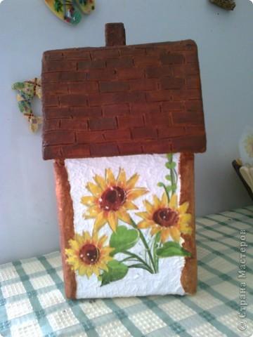 Мой чайный домик. Ма мой взгляд,получился очень симпатичный и домашним нравится. Осталось только лаком покрыть. фото 1