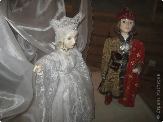 Вчера моя дочка Алина была на экскурсии в Болдино. Масса впечатлений и фотографий. Алине очень понравилось в Доме Сказок. Работы выполнены детьми и взрослыми из разных городов.  фото 11