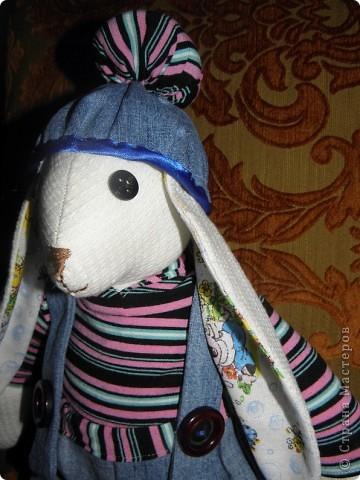 Всем доброго дня! У меня опять заяц.... Только он большой, около 50см. Все остальные у меня маленькие.... Дочка сказала, что это  заяц-рэпер.... фото 2
