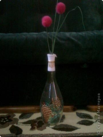 Бутылка Виноградная и цветок в ней фото 1