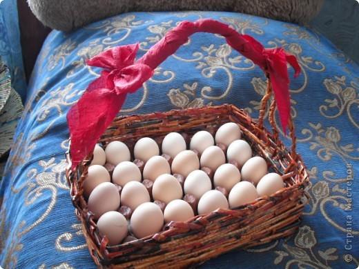 одна из первых работ из газеты, маме в подарок, вместе с яйцами) фото 3