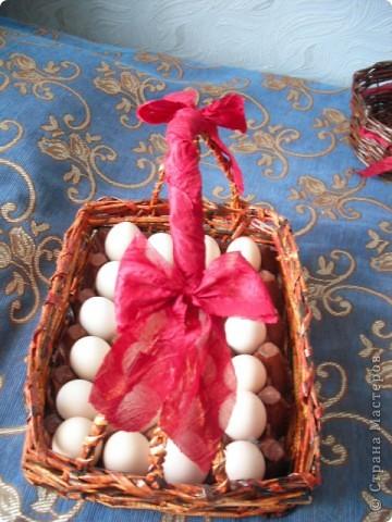 одна из первых работ из газеты, маме в подарок, вместе с яйцами) фото 2