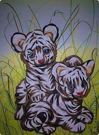 """Дорогие мастерицы, спешу поделиться новой работой. Делалась долго, трудно, но с большим желанием. С полосками нужного цвета проблемы. Спасибо рукодельниыам, чьи работы со взрослыми тиграми и львами мне помогли """"созреть"""" на эту работу. фото 1"""