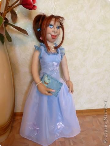 Кукла Жасмин. Это она уже одета в вечернее платье фото 2
