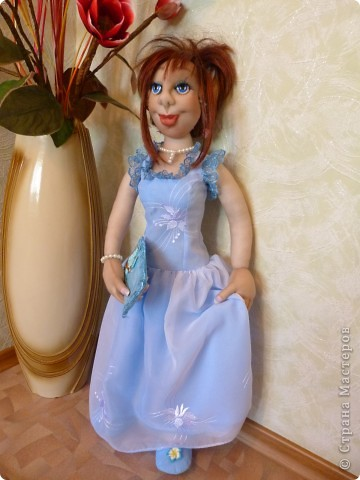 Кукла Жасмин. Это она уже одета в вечернее платье фото 3
