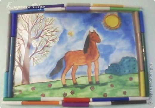 Рисунки детские Алёна М.презентовала мне в кабинет свои работы .А как показать?На что повесить?Вот и придумалось.а может и где виделось  и из подсознания всплыло,уж не знаю простите фото 2