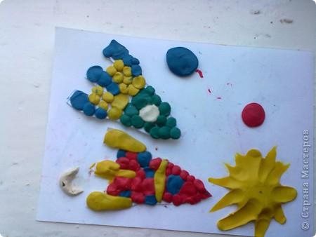 Арбузы из соленого теста, заранее вырезала из картона треугольники и высушила семечки. фото 3