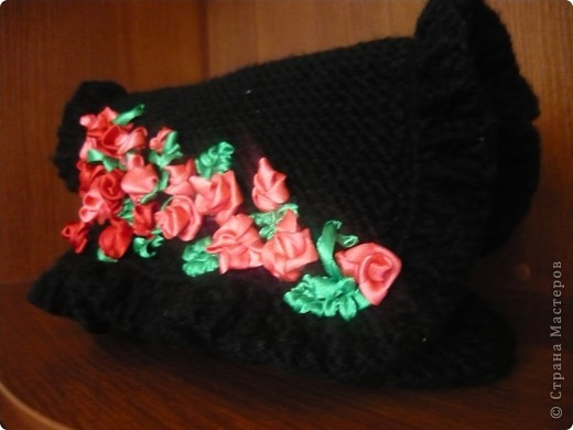 Вязанная сумочка-клатч розшытая лентами фото 2