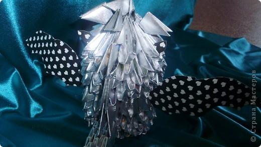 Это мой первый МК.Дракоша сделан из журнальных листов и покрашен серебреной краской из балончика. фото 3