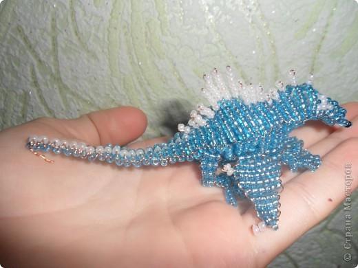 Сделала второго дракона из бисера!Его длина 10 см..Назвала я его Гоша! Вот первый дракончик. http://stranamasterov.ru/node/229005 фото 1