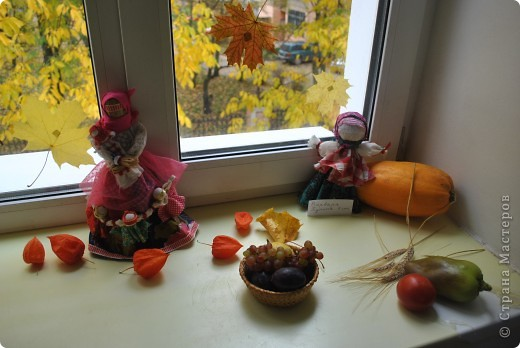 Выставка работ к празднику школы. фото 7