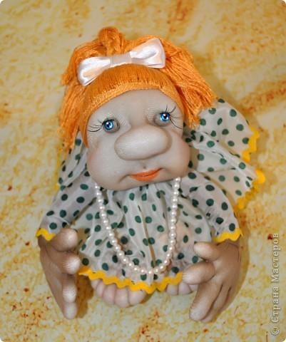 Разве можно остановиться на одной кукле? Никак!!! Единственно, мне показалось, что если уменьшить размер кукле, она станет мобильнее и впишется абсолютно в любой интерьр и обстановку, не перетягивая все на себя, но при этом вызывая МОРЕ позитива и улыбок))) фото 3