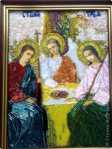 """Икона """"Пресвятая и животворящая троица"""" -вышито бисером по ткани.Эти работы были вышиты первыми- тогда я еще не решалась вышивать лики на иконах."""