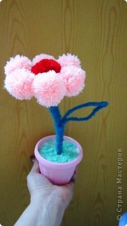 цветок из помпонов фото 2