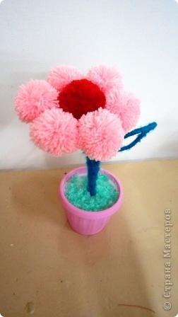 цветок из помпонов фото 3