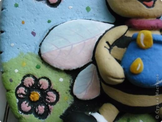 Пчелёнок в цвете фото 2