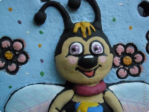 Пчелёнок в цвете фото 3