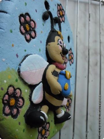 Пчелёнок в цвете фото 4