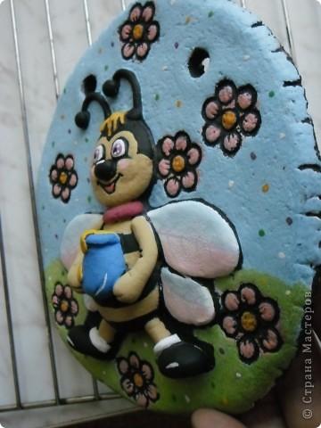 Пчелёнок в цвете фото 5