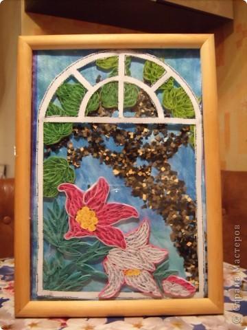 Вот и осень... Золотая почти уже закончилась. Но еще хочется немного тепла. Так и создалась эта картина. Только представьте : за окном шумит листва деревьев, в окошко буквально залезают лилии, щебечут птицы и ласковый ветерок колышет занавески......... фото 5