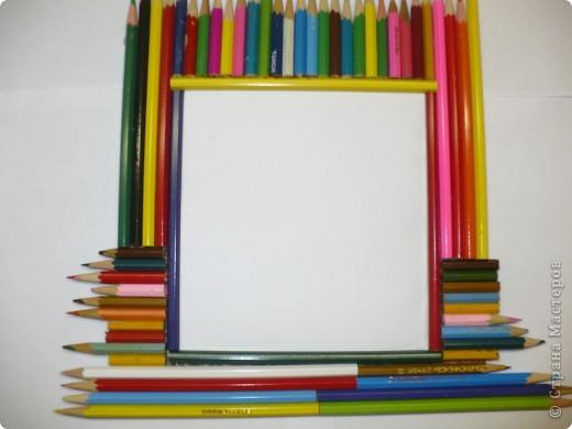 За последний год накопилось много цветных карандашей, которые быстро пошли в дело. фото 2