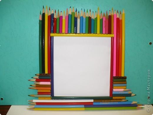 За последний год накопилось много цветных карандашей, которые быстро пошли в дело. фото 1