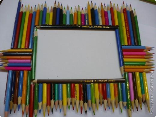 За последний год накопилось много цветных карандашей, которые быстро пошли в дело. фото 3