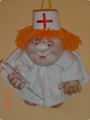 Вот такой шутливый подарок получился у меня знакомому врачу. фото 2