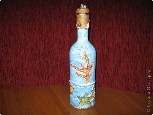 это одна сторона бутылки.Если видно, то тут пробовала объемный декупаж с помощью силикона фото 4