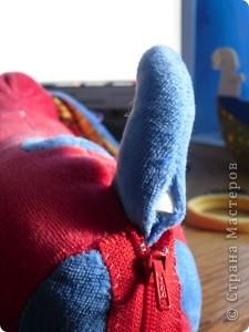 Обычную игрушку превращаем в развивалку для малыша до года фото 4