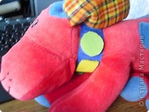 Обычную игрушку превращаем в развивалку для малыша до года фото 6
