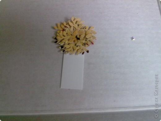 На мастер-класс не претендую, но хотела показать, как из подручных материалов сделать интересные заготовочки.  Осеннее деревце из дырокольних листочков. Пока сохнут, потом будем дальше эксперементировать.  фото 11
