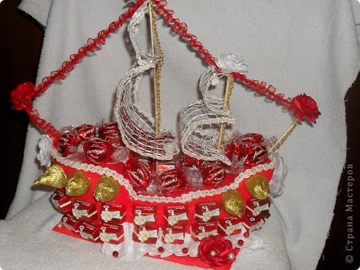 Свадебный конфетный корабль